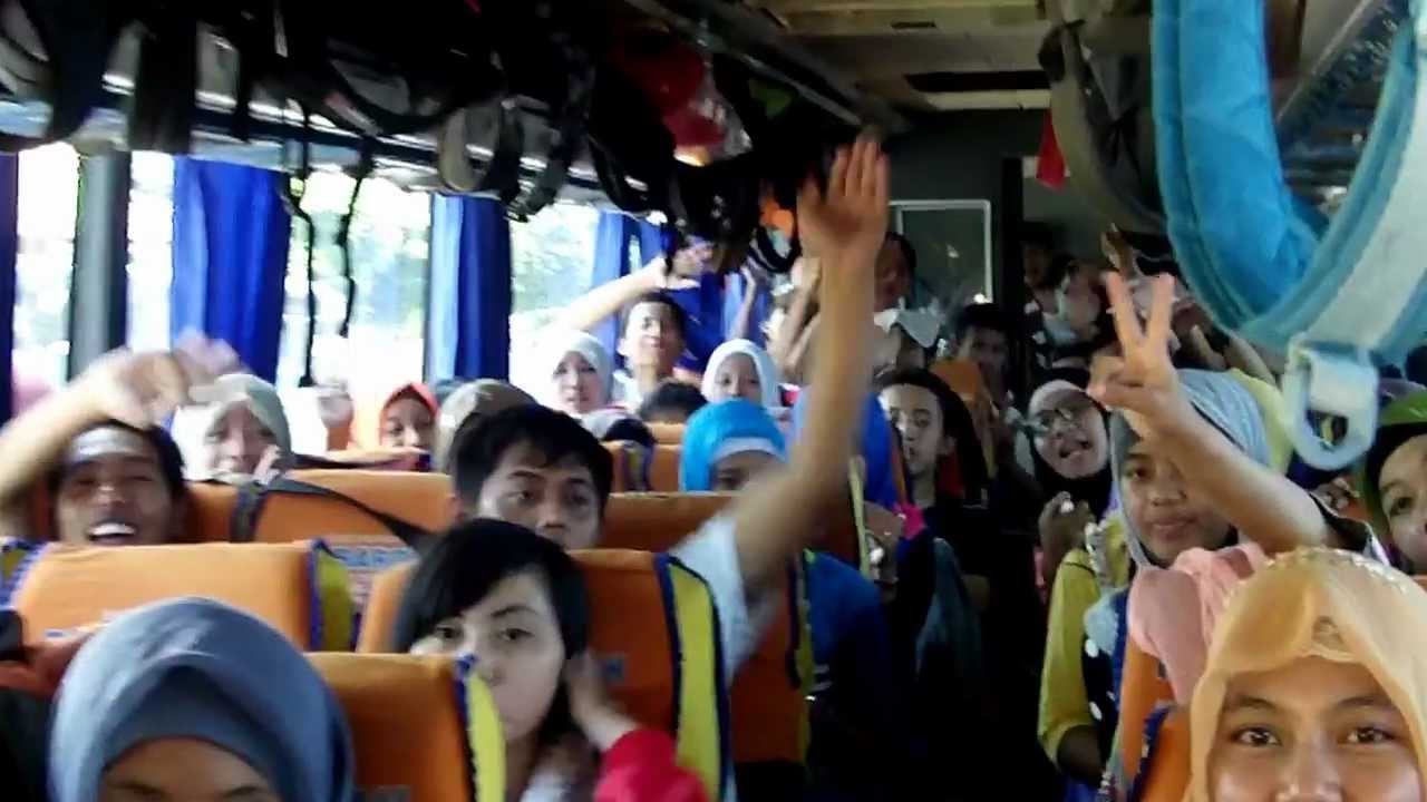 Bus Wisata Rombongan