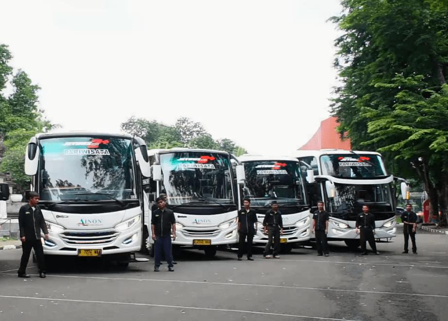 Crew Bus Pariwisata