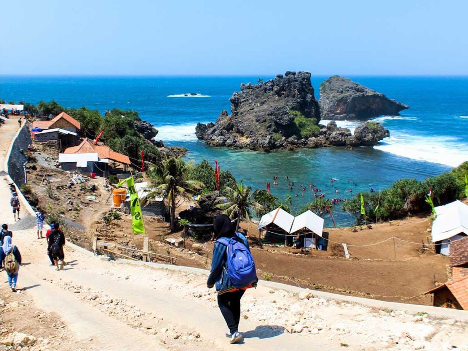 Bus Karyawan Executive Pantai Nglambor Jogja Yang Bisa Untuk Bersantai