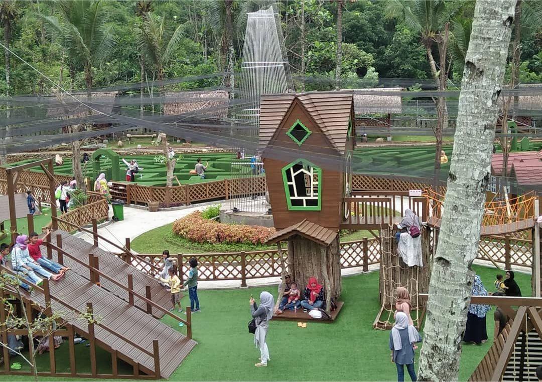 Bus Karyawan Executive  Taman Wisata Karang Resik Tasikmalaya